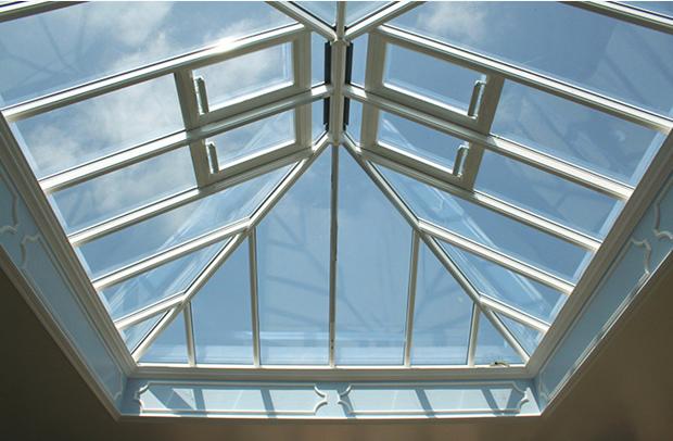 Mái kính giếng trời