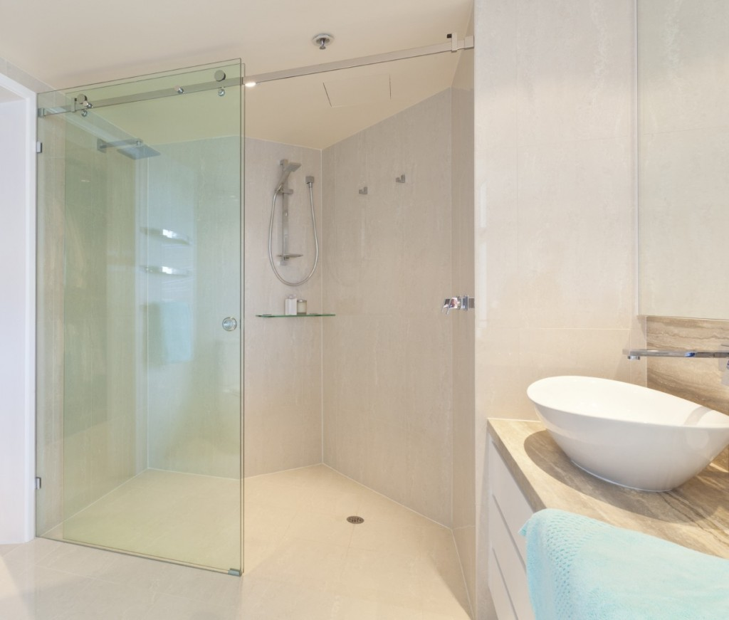 mẫu vách kính nhà tắm