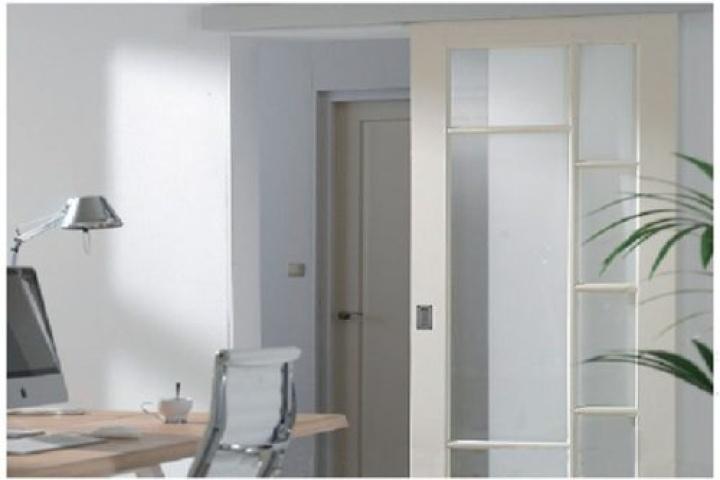 Mẫu cửa nhôm kính 1 cánh phòng ngủ