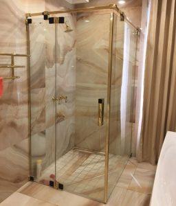 Việt Phong chuyên thi công vách kính phòng tắm chuyên nghiệp